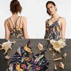 🌴🌼HURLEY- FLORAL DRESS/COVERUP🌼🌴